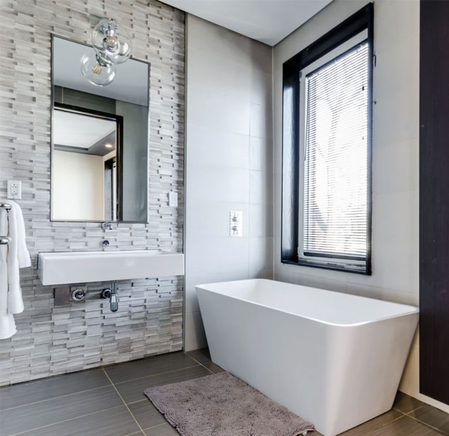 Example-of-a-renovated-bathroom-for-a-vacation-rental-property