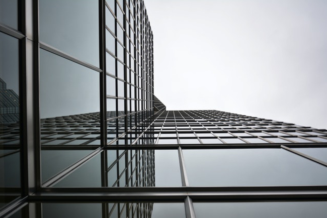 Building with mirrored glass